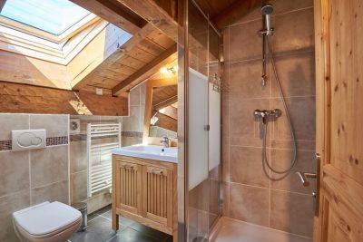 Chalet Aventure Bedroom Two Bathroom
