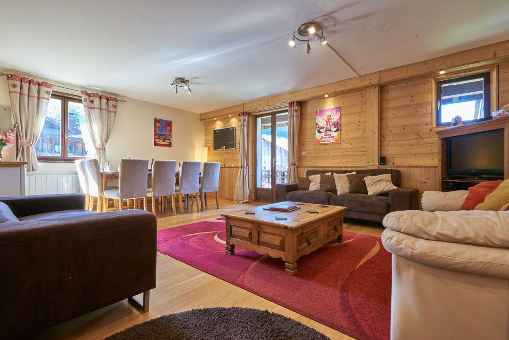 Chalet Aventure Lounge Area