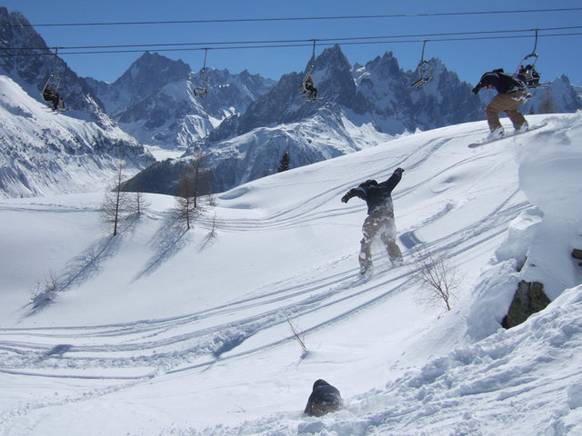 Snowboarding in Les Gets