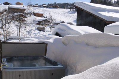 Chalet Aventure Hot Tub
